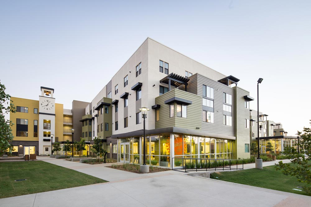 Cabrillo Gateway was honored as the Best Affordable Housing Community - 30 to 60 dwelling units/acre at the 2016 Gold Nugget Awards. Credit: Zhejia Dai