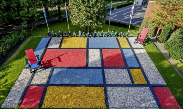 Dutch design flower bulb mosaic at Keukenhof