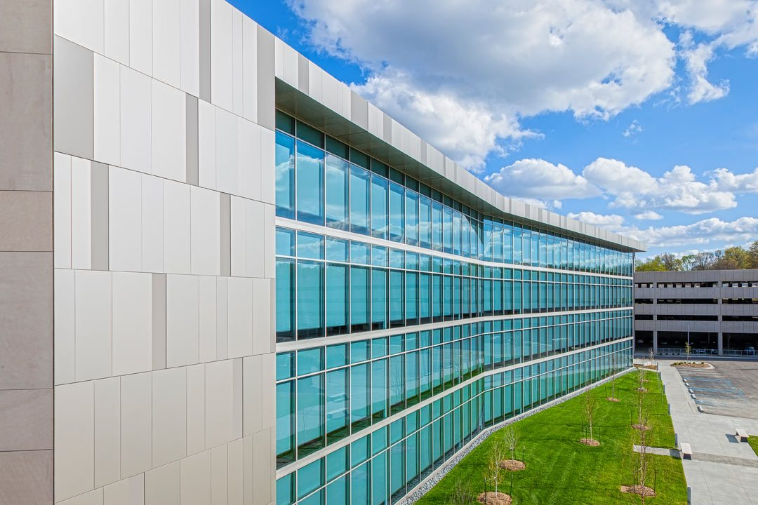 Burns mcdonnell world headquarters named mid america for Most energy efficient windows