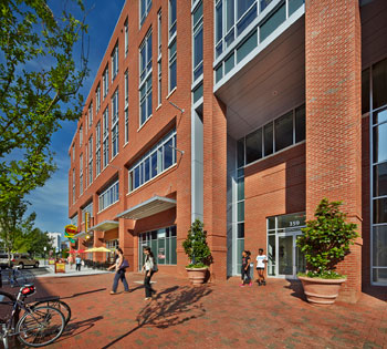 Diamond View III in Durham, North Carolina. Architect firm: SmithGroupJJR; landscape architect firm: Coulter Jewell Thames; builder: Lend Lease; brick manufacturer and distributor: Triangle Brick Company; and photographer: JWest Productions.