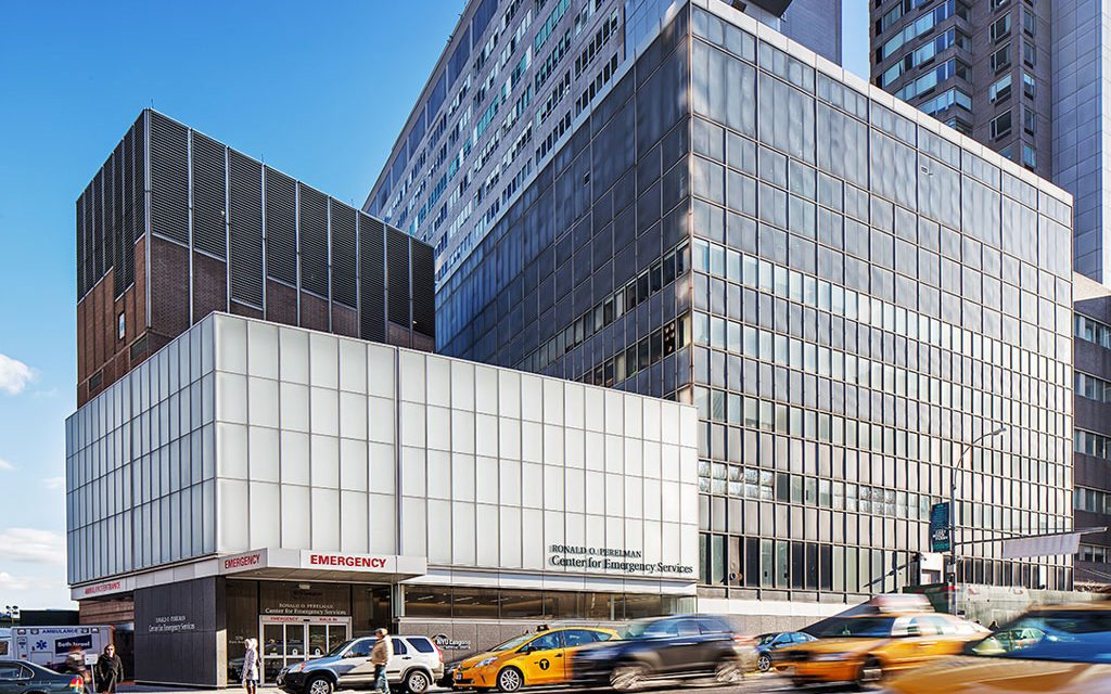 Langone Medical Center makes creative use of textured Starphire ...