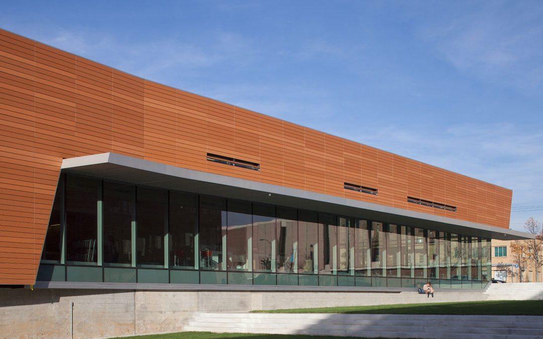 Lawrence Public Library, featuring SOLARBAN 70XL glass, earns 2016 AIA/ALA award