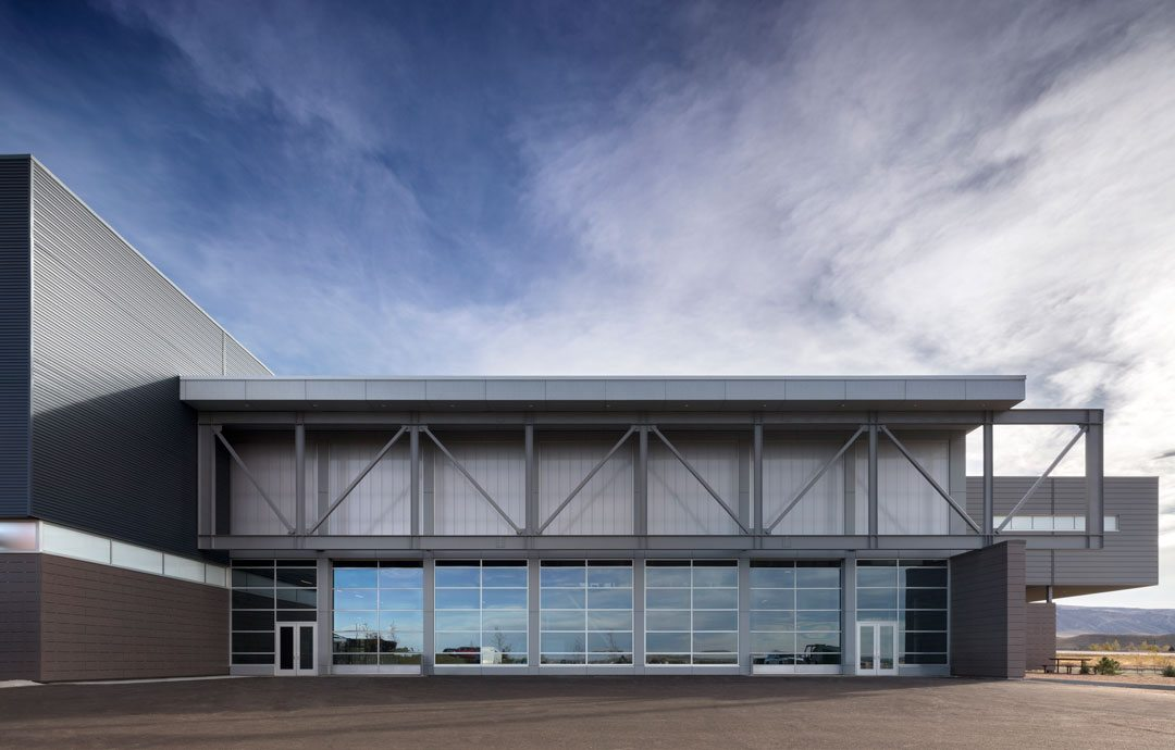 Pathways innovation center and roosevelt high school feature extech custom sunscreen and - Moa architectuur ...