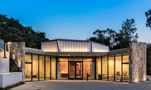 EXTECH's LIGHTWALL 3440 supports aesthetic, performance and sustainability goals for Leo Baeck Temple in Los Angeles
