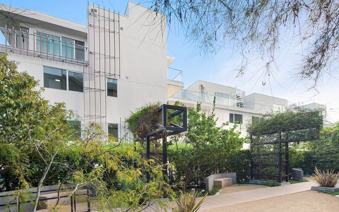 1345 Havenhurst, West Hollywood