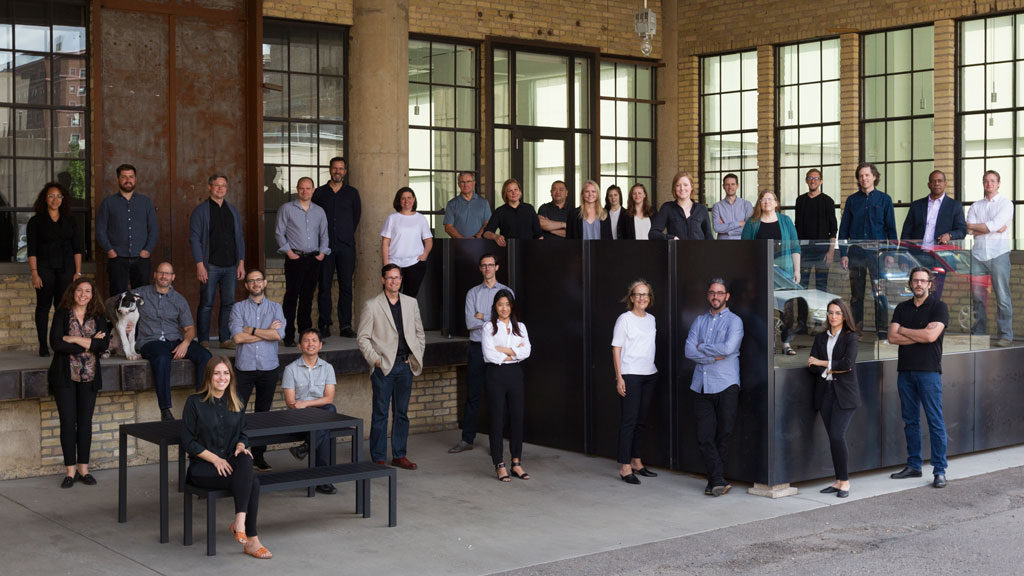 Snow kreilich architects receives the 2018 aia for Team x architecture