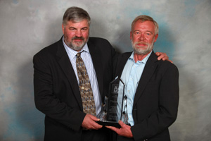 Outstanding Member Award – Doug Holmberg (Apogee Enterprises, Inc./Wausau Window and Wall Systems)