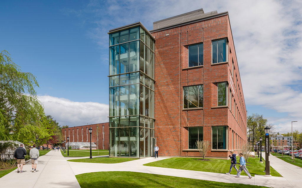 Fired-clay brick's aesthetic flexibility and sustainability honored by the Brick Industry Association