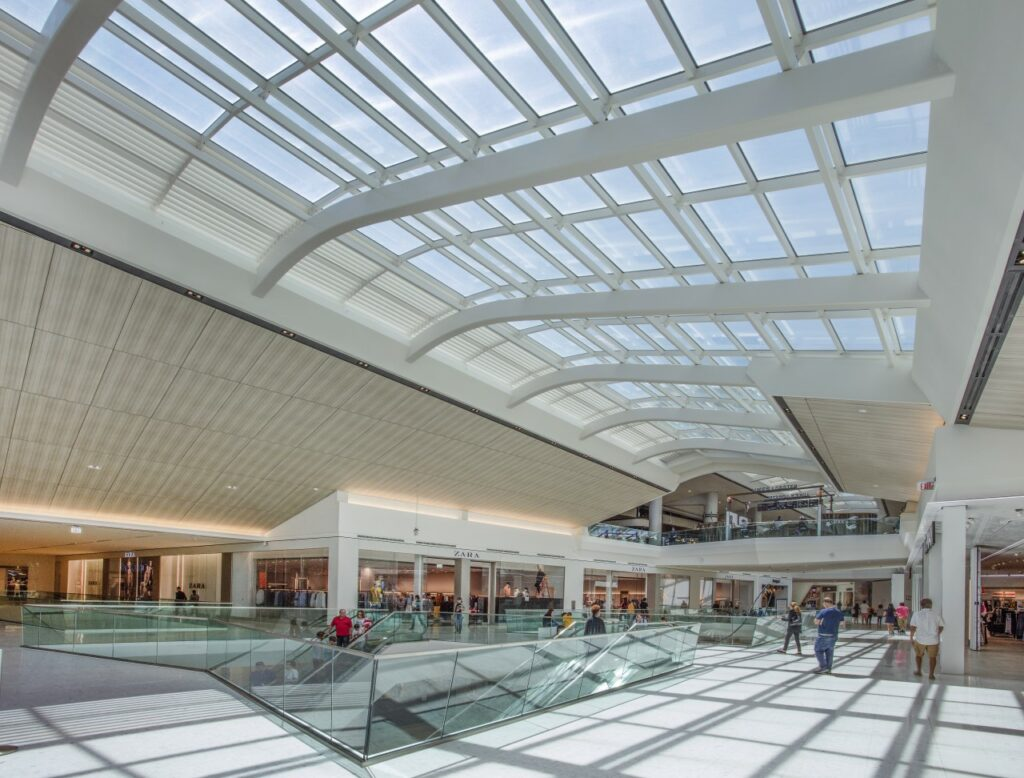 New wing at Aventura Mall in Miami. Photo by William Lemke, courtesy of Super Sky Products Enterprises, LLC and Linetec