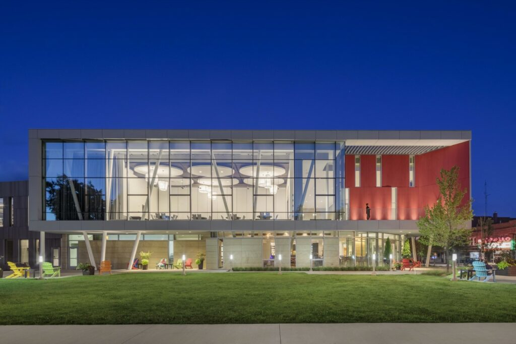 Peter B. Lewis Gateway Center at Oberlin College in Oberlin, Ohio. Photo credit: © Bran Feinknopf