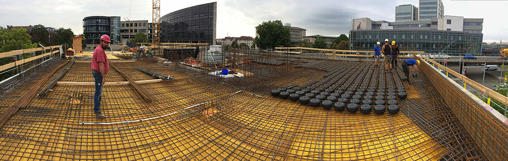 As it is also possible to reduce the ceiling thickness from 32 to 30 cm with the same span width by using the modules, this results in a further load reduction. The total reduction for the foundation thus amounts to 15,000 kN, which not only reduced the number of drilled piles required by around 10, but also simplifies the construction of an interceptor system. Source: W. Markgraf GmbH & Co KG