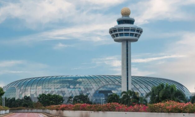 Vitro Glass makes Jewel Changi Airport in Singapore sparkle