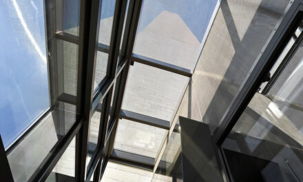 Washington Monument welcomes back visitors through new Beyer Blinder Belle-designed facility