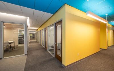 Rockfon ceilings create bold office spaces for Marsh & McLennan Agency
